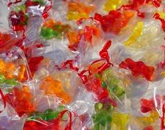 Pakowanie słodyczy w folię