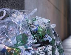 Śmieci w torbach i workach